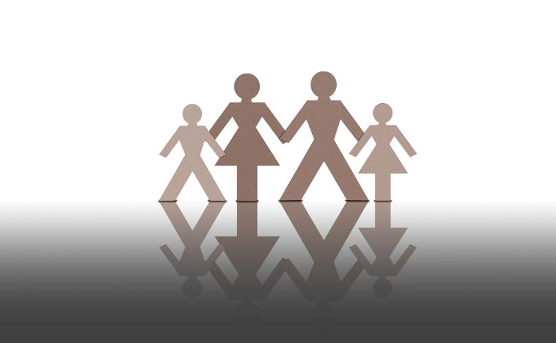 paper-family-ii-1176053-1599x987